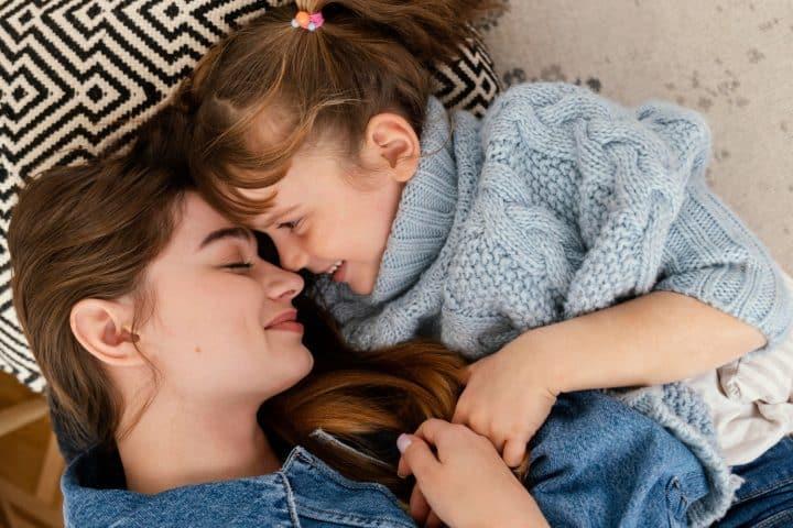 Seguiré acurrucando a mi hija aunque ya no sea bebé